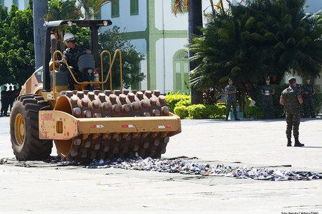 Exército destrói mais de 4.000 armas em Belo Horizonte - Notícias ... 236c27f453f