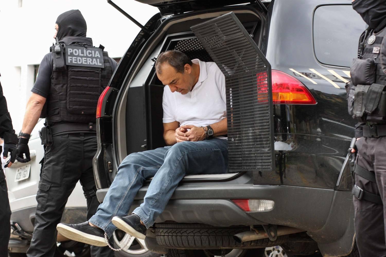 PF diz que algemou mãos e pés de Cabral por segurança