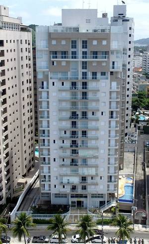 Tríplex fica no condomínio Solaris