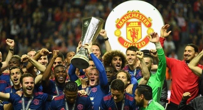 Benfica desce no ranking dos clubes mais ricos; United continua a liderar