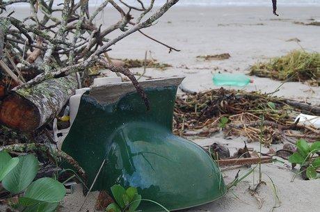 Privada também foi encontrada na areia em uma das praias