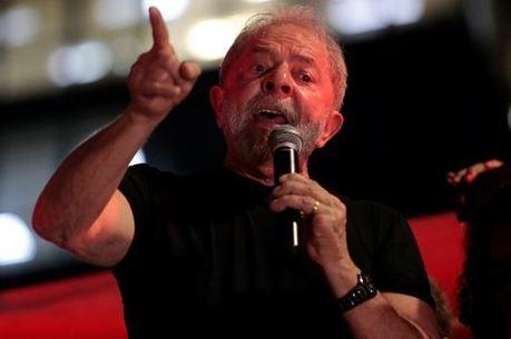 Lula foi condenado a 12 anos e um mês de prisão