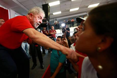 Lula foi confirmado pelo PT como candidato ao Planalto