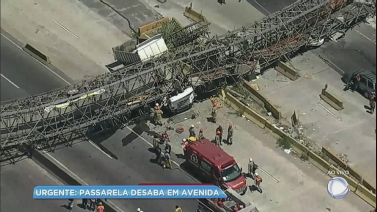 Acidente com passarela mata uma pessoa no Rio de Janeiro