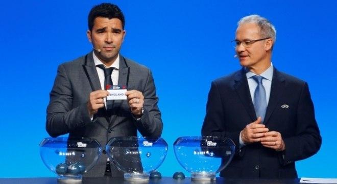de80aa10eb O brasileiro Deco participou do sorteio da Liga das Nações