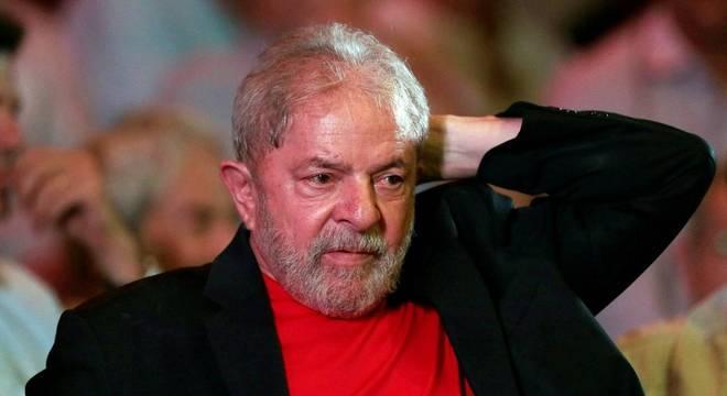 Ex-presidente foi condenado por unanimidade em julgamento