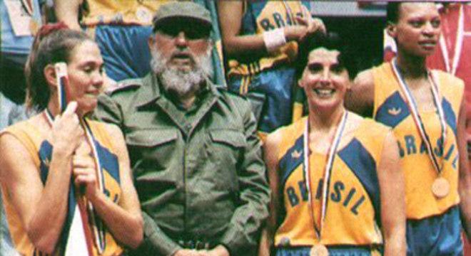 Hortência e Paula com Fidel, em Havana/71