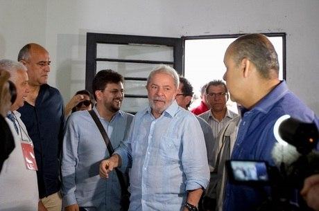 PT oficializou pré-candidatura de Lula após condenação