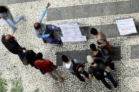 Brasil tem 26,3 milhões de pessoas desocupadas