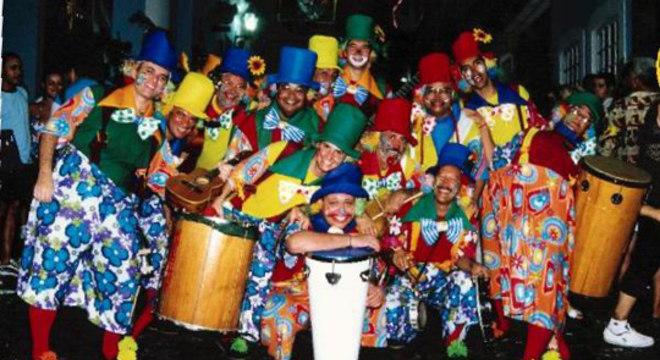 Os Palhaços do Rio Vermelho agitam o bairro com marchinas e sucessos dos antigos carnavais