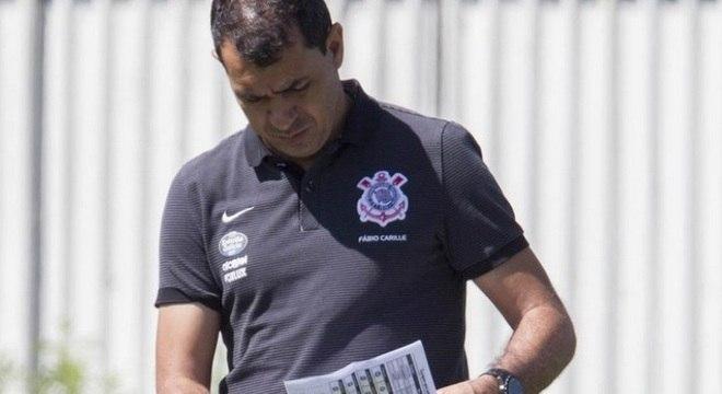 Fábio Carille estuda a melhor forma de o Corinthians superar o Bragantino