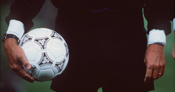 63d713708727a Do capotão ao chip  Veja a evolução das bolas de Copa do Mundo - Fotos - R7  Futebol