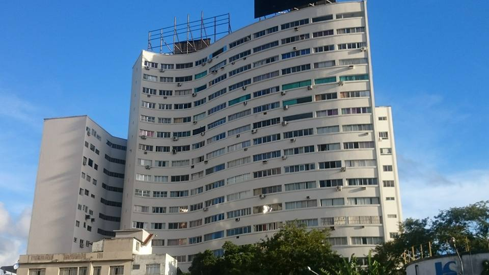 Câmera escondida é flagrada em apartamento alugado pelo Airbnb em São Paulo
