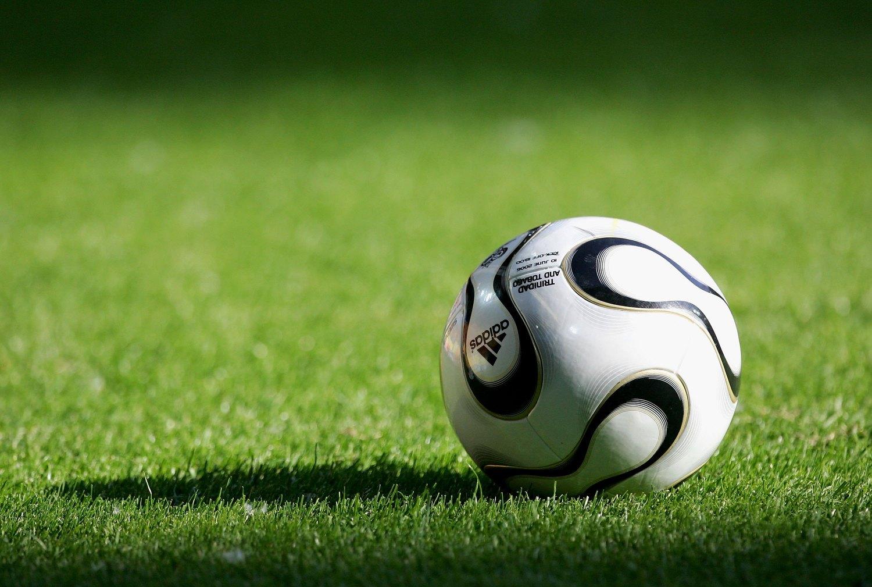 28290804533af Do capotão ao chip  Veja a evolução das bolas de Copa do Mundo ...