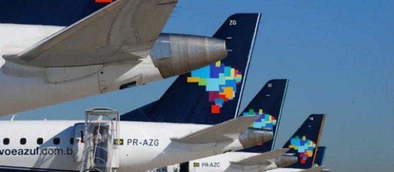 Os clientes que adquiriram passagens para os voos suspensos podem remarcar os bilhetes sem custos