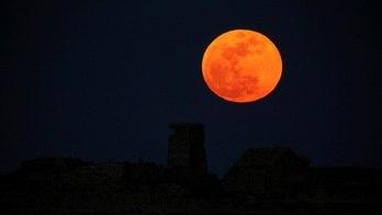 __Confira horário do eclipse total da lua desta noite em seu Estado__
