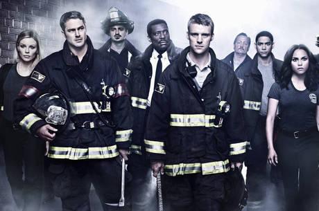 Série acompanha a vida de bombeiros e paramédicos