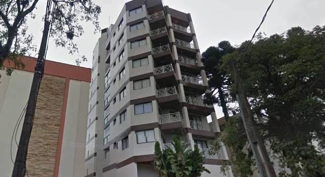 Prédio em que Sérgio Moro tem apartamento, em Curitiba. Na região imóveis são vendidos entre R$ 550 e 750 mil