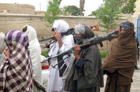 Grupos terroristas lutam contra governo central