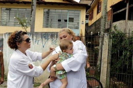 Vacina é segura, mas precisa mudar