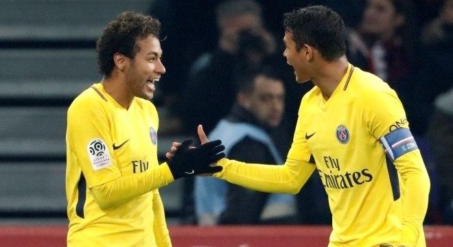 Neymar faz gol de falta e PSG vence Lille no Campeonato Francês ... 7171ea8ee498f