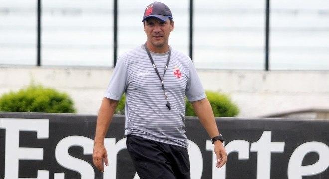 O técnico Zé Ricardo confirmou o time titular para o jogo contra o Wilstermann