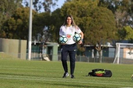Emily foi a primeira mulher treinadora da seleção feminina