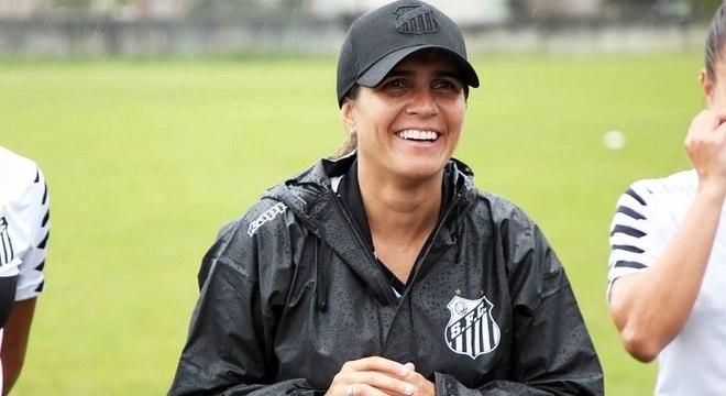Emily Lima será a treinadora do time feminino do Santos até fim de 2018