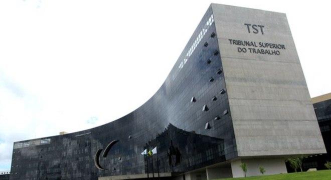 Decisão será tomada pelos 26 ministros do plenário do TST