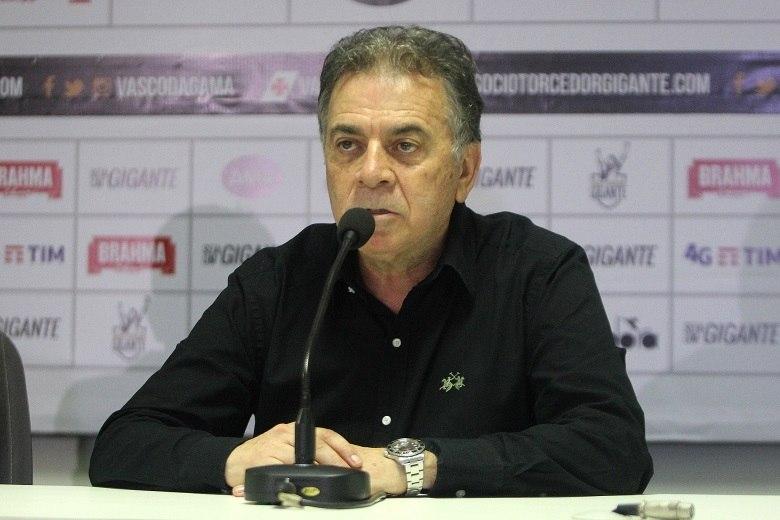 Vasco anuncia rescisão de contrato com Luís Fabiano
