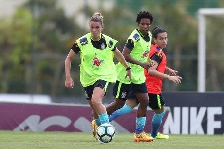 Seleção Feminina treina na Granja para Copa América