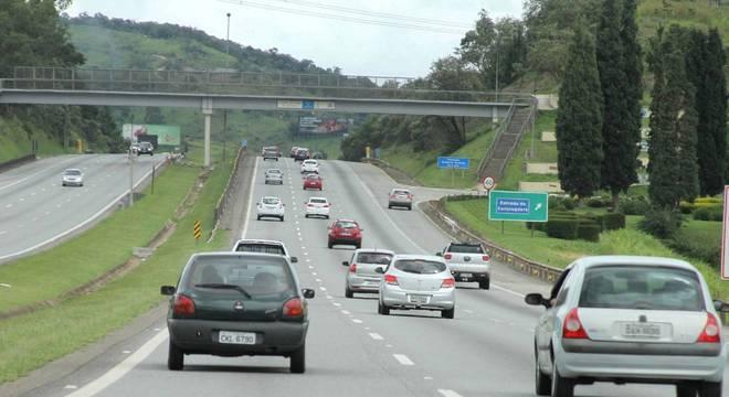 Acidente gera lentidão entre os Km 21 e 19 no sentido São Paulo