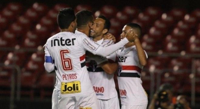 Na vitória sobre o Bragantino, São Paulo levou apenas 10 mil torcedores ao Morumbi