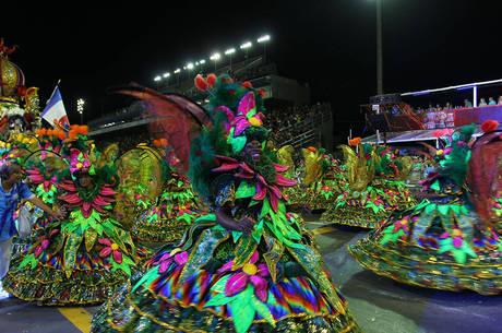 Acadêmicos do Tatuapé desfilou na primeira noite