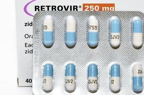 A terapia antirretroviral é uma combinação de três remédios ou mais para impedir a multiplicação do vírus HIV no corpo humano