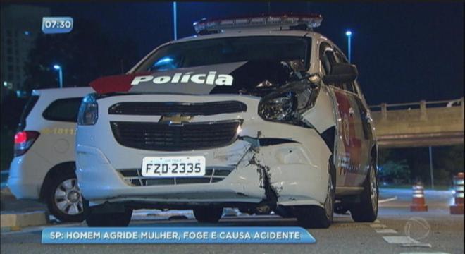 Uma viatura se envolveu em um acidente com outro carro