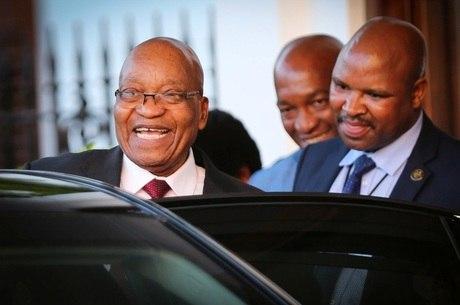 Zuma havia pedido ao partido para lhe dar de três a seis meses