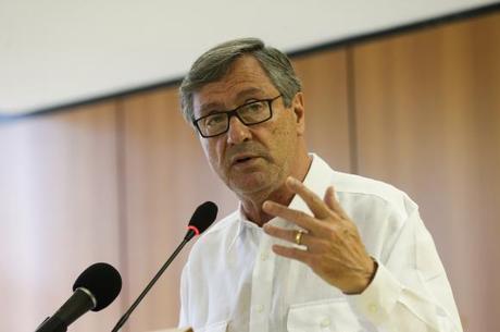 Torquato Jardim diz governo vai contratar médicos venezuelanos