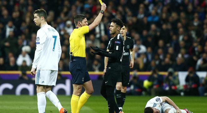 Neymar foi até bem no jogo. Mas acabou sabotado por Unai Emery