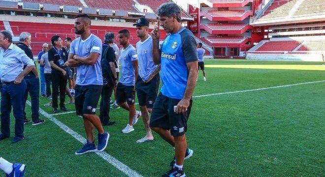 O Grêmio, do técnico Renato Gaúcho, no estádio Libertadores da América, em Avellaneda