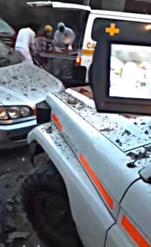 Vítimas são socorridas após a explosão em Oruro