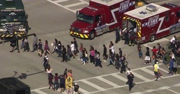 Tiroteio em escola deixa diversos feridos na Flórida