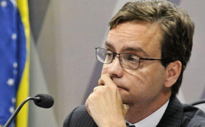 Ministro visita criança brasileira mantida em abrigo em Nova York