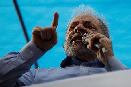 Escrevente diz que Lula aparece como comprador de sítio
