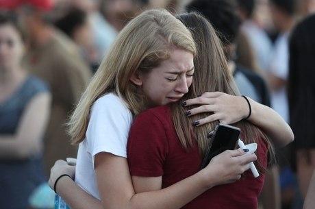 Atirador matou 17 pessoas em escola na Flórida