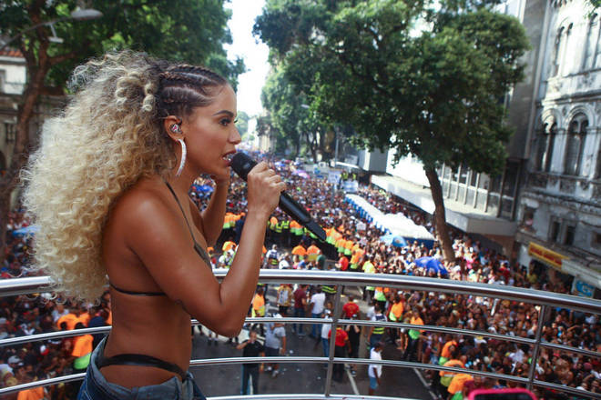 Resultado de imagem para anitta no carnaval 2018