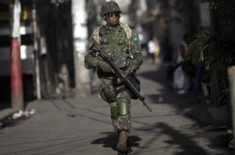 Intervenção coloca Exército nas ruas do Rio até 31/12