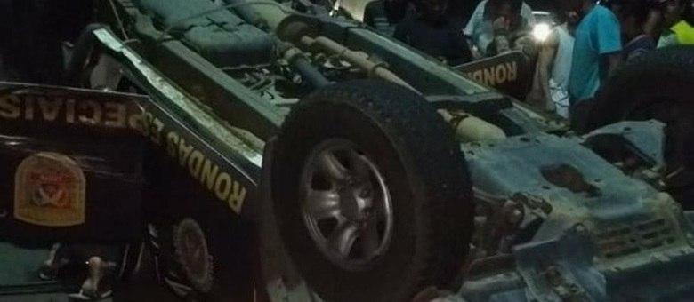 Os ocupantes da viatura foram levados para o Hospital São Matheus com algumas escoriações