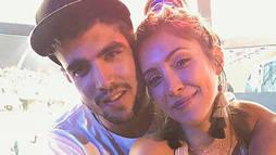 Caio Castro faz surpresa de aniversário para a namorada e ela vai às lágrimas ()