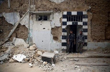Ataques ao leste de Ghouta intensificados desde domingo atingiram civis